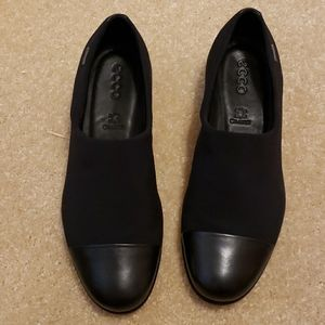Black Ecco shoes